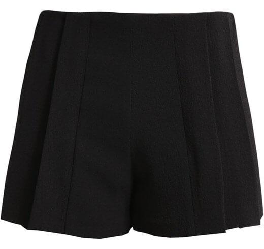Czarne szorty w stylu Betty Grable